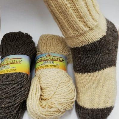 Прежда Деси -Натурална вълна за чорапи, елеци, пуловери – Вълната на баба