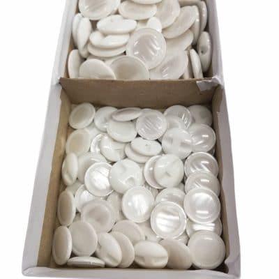 Дамски копчета Стела с диаметър 1.63 см.-Бяло