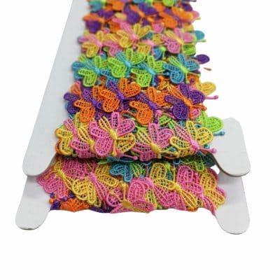 Цветна дантела с пеперуди