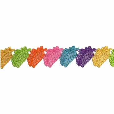 Цветна дантела с листа