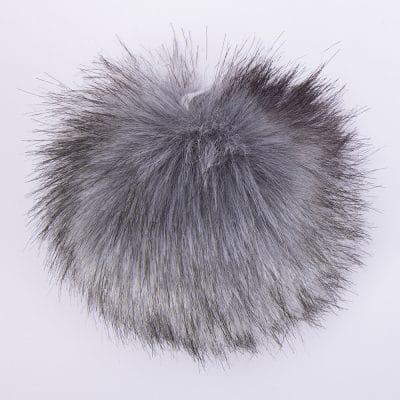 Пухкави Помпони за стилни шапки